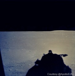apollo_11_photo_from_LM_window